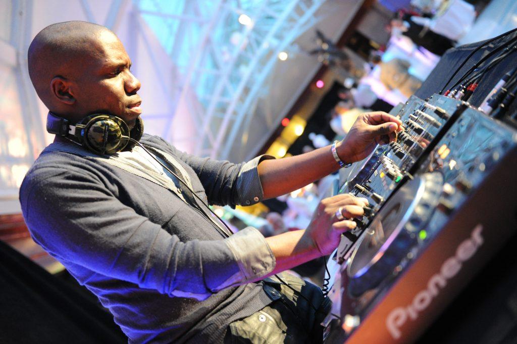 DJ au travail