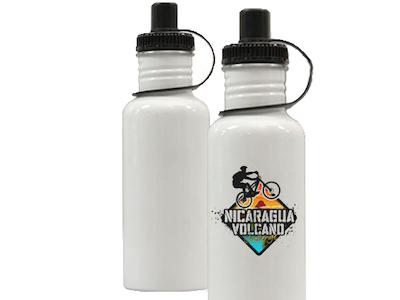 bouteilles d'eau blanches en aluminium